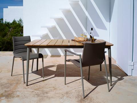 Ергономичен стол за балкон и градина CORE от navun.bg