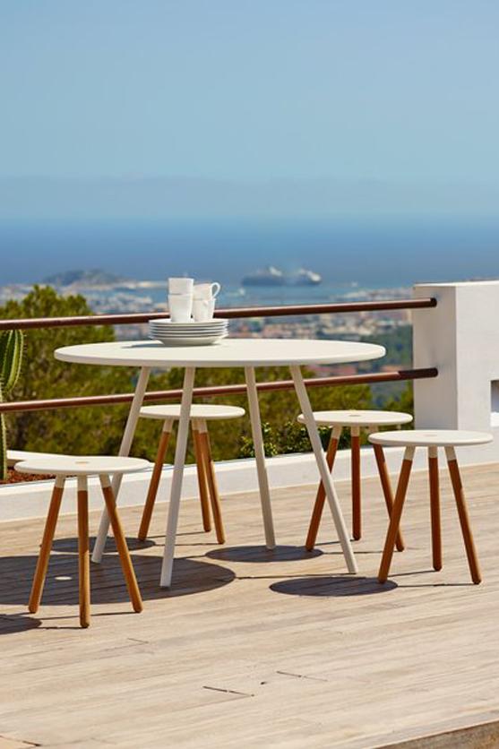 Елегантна градинска маса от колекция AREA от navun.bg