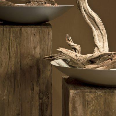 Пиедестали за саксии, вази и скулптури от тиково дърво от navun.bg