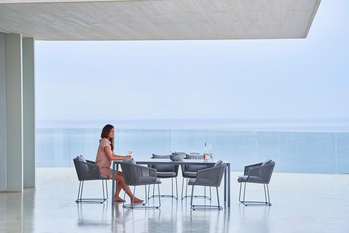 Градински стол MOMENTS със скандинавски дизайн от navun.bg