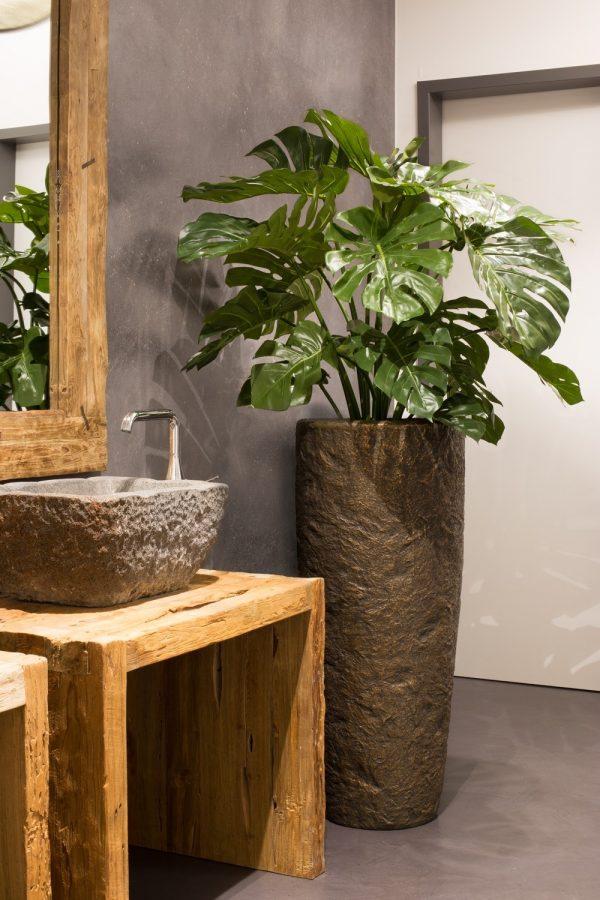 Колекция дизайнерски саксии rocky с автентичен каменен вид