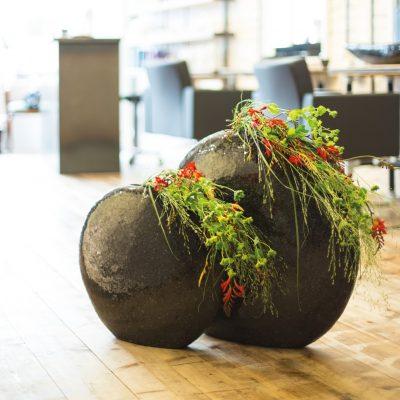 Дизайнерска ваза MOON