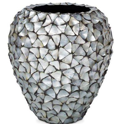 Дизайнерска саксия с мидени черупки от navun.bg