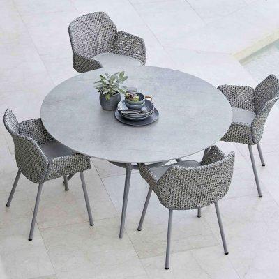 Градински столове Vibe от наплетено влакно и с възглавници